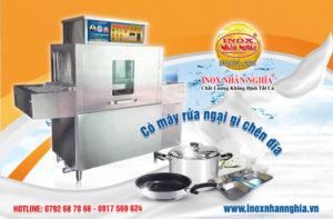 máy rửa chén tự động khác rửa chén bằng tay